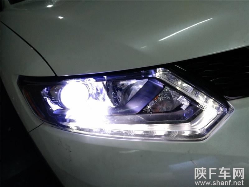 汉中改灯,新奇骏车灯改装海拉五透镜,加装飞利浦氙气灯,改装恶魔眼