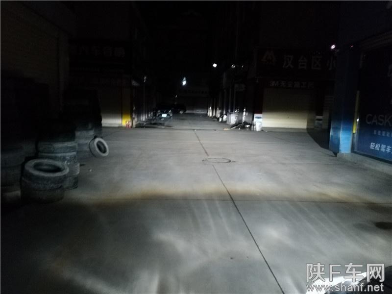 汉中改灯,标致408改装车灯双光透镜氙气灯案例