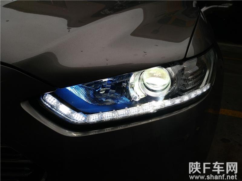 汉中改灯,蒙迪欧大灯改装Q5透镜,加装LED双色泪眼日行灯