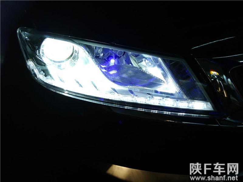 汉中车灯改装,吉利博锐车灯改装Q5双光透镜氙气灯,加装LED日行灯