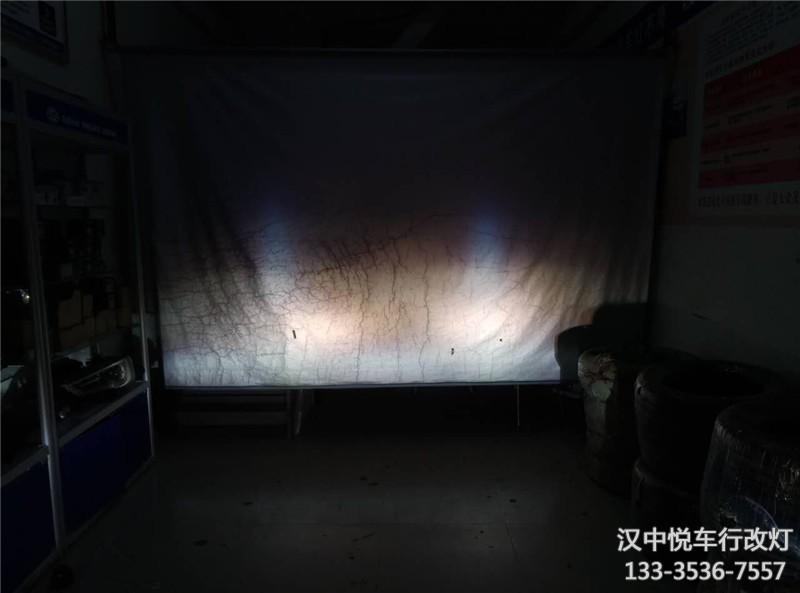 汉中大灯改装 汉中悦车行改丰田汉兰达车灯锐倍德N7S透镜
